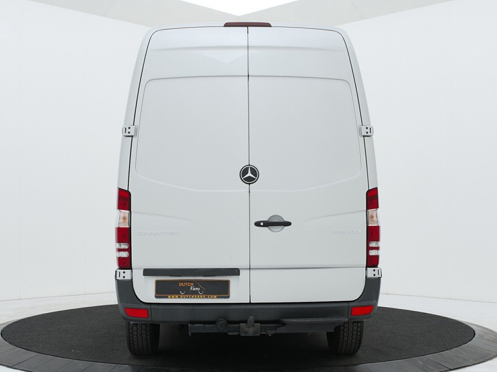 Mercedes-Benz sprinter back